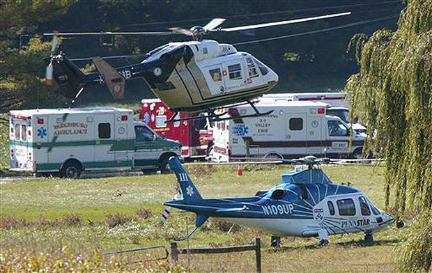 Ground and Air EMS units on the scene, October 2, 2006. (CBS News photo)